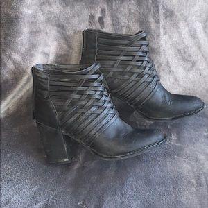 Size 8 black heels.